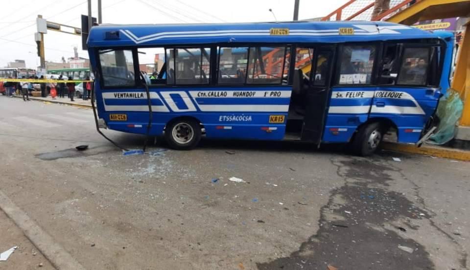 Accidente vehicular en Puente Piedra. Foto: Limay.pe.