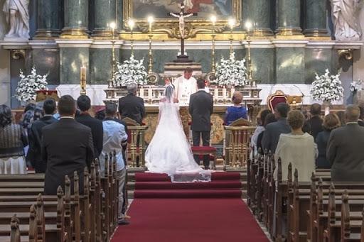 [VIDEO] Viral: Novio promete a su esposa serle infiel en plena boda