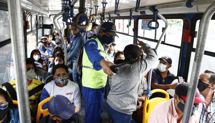 San Martín de Porres: Delincuentes armados asaltaron a pasajeros en la Av. Universitaria