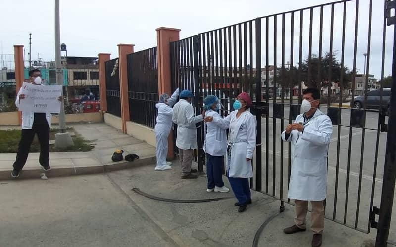 Áncash: Médicos y enfermeras del hospital de Chimbote reclaman ser vacunados contra el COVID-19