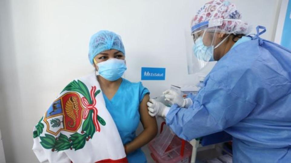 colegiomedicodicequehaydoctoresquefaltanvacunarse-1