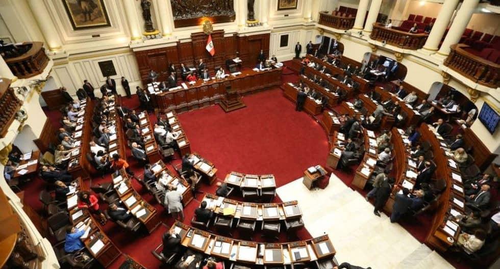 Pleno del Congreso aprueba crear comisión investigadora para determinar responsabilidades en la vacunación de funcionarios