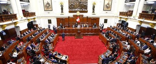 Congreso aprueba moción para descartar vacunación contra el COVID-19 de los parlamentarios