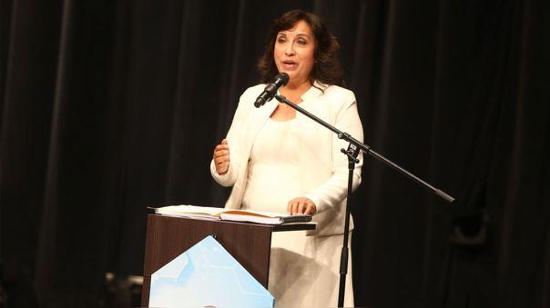 """Dina Boluarte tras comunicado de Perú Libre:  """"Estamos siguiendo la línea que en campaña hemos dicho"""""""