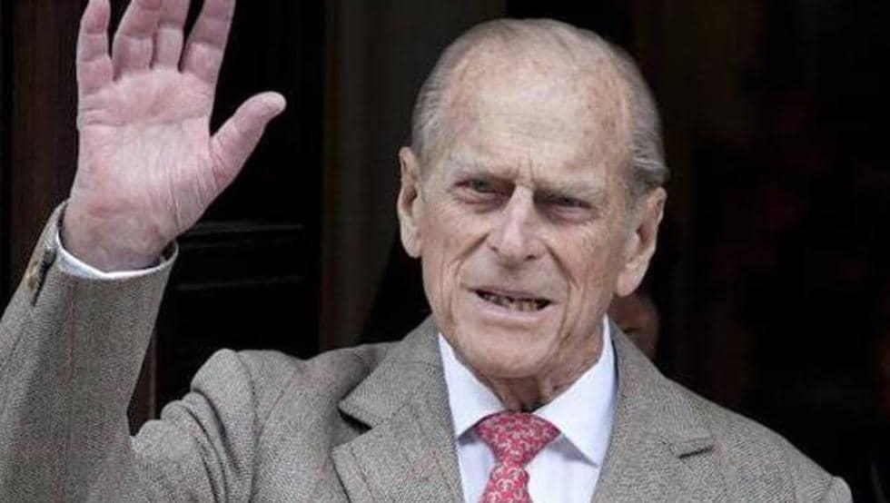 Príncipe Felipe pasa segundo día hospitalizado por precaución