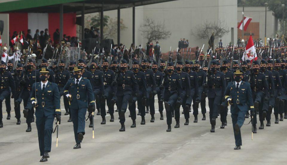 Fiestas Patrias: FAP participó con marcialidad y elegancia en el desfile militar