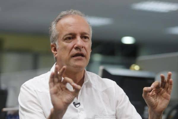 """Hernando Guerra: """"Ya quisiéramos  tener el sueldo de un ministro"""""""