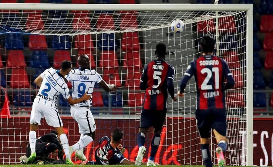 Serie A: Inter gana de visita y se mantiene como líder