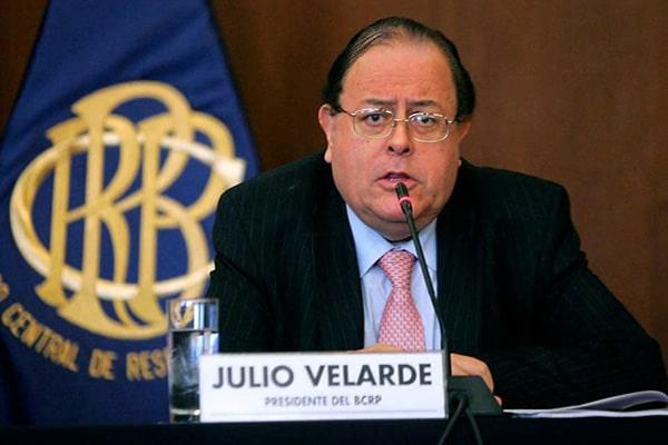 Julio Velarde cree que declaraciones de Castillo harían que expectativas empresariales no mejoren