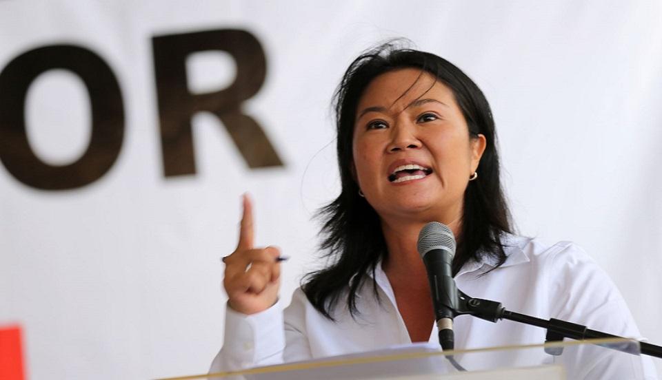 """Keiko Fujimori a Pedro Castillo: """"Que salga Cerrón si no tiene los pantalones para debatir"""""""