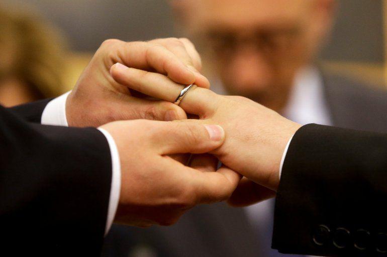 Congresistas presentan proyecto de ley sobre el matrimonio igualitario