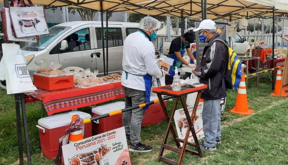 Los Olivos: Mercado móvil regala frutas a personas vacunadas con las dos dosis