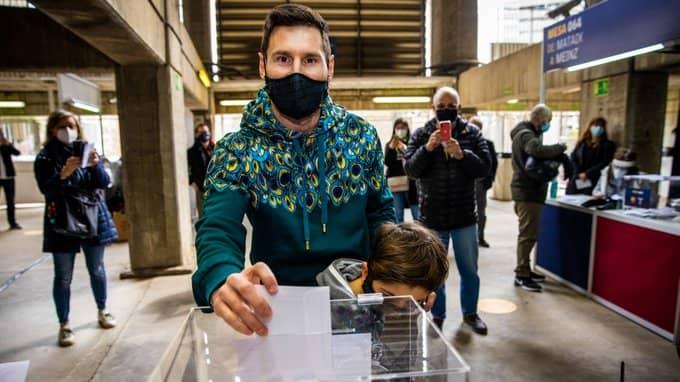 Lionel Messi emite su voto en las elecciones presidenciales del Barcelona [VIDEO]