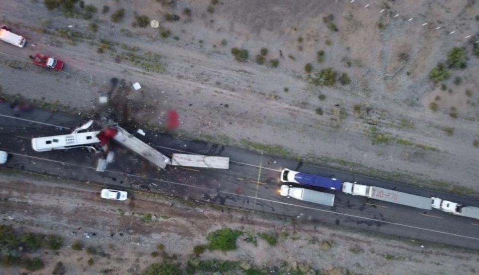 México: Trágico accidente automovilístico deja al menos 16 muertos y 22 heridos