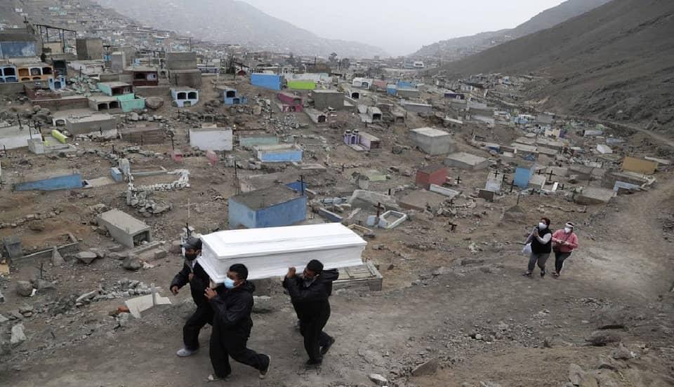 Minsa informa 303 muertes por COVID-19 en las últimas 24 horas en el Perú