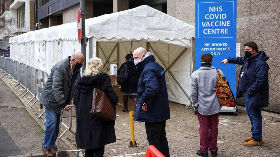 Reino Unido supera los 20 millones de vacunados contra el COVID-19