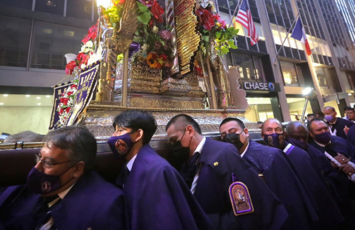 Señor de los Milagros: Fieles recorren calles de Nueva York por más de cinco horas