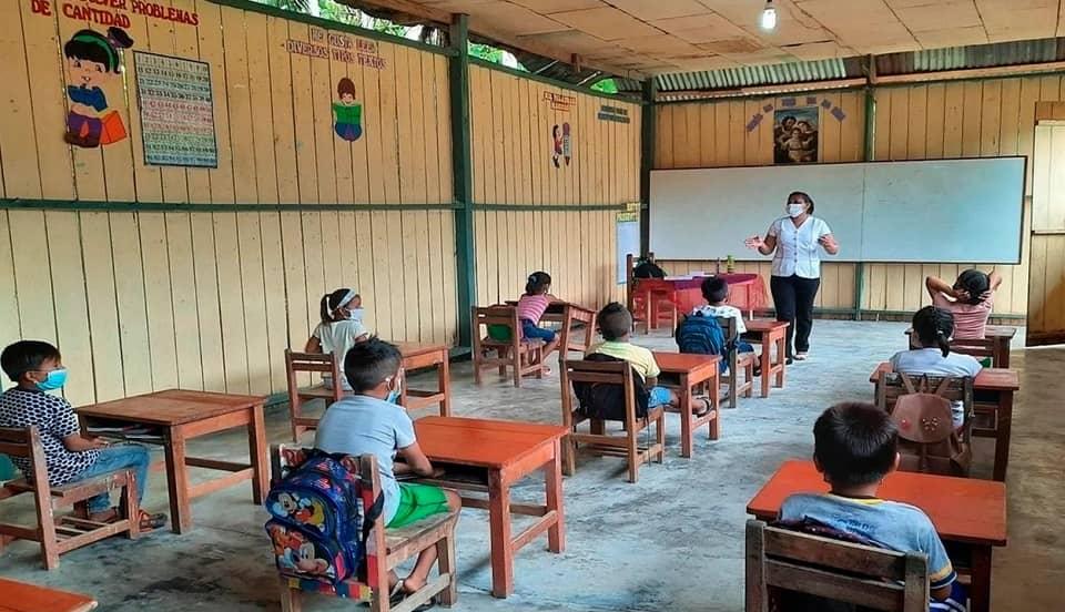 Vacunación COVID-19: docentes en zonas rurales serán la prioridad