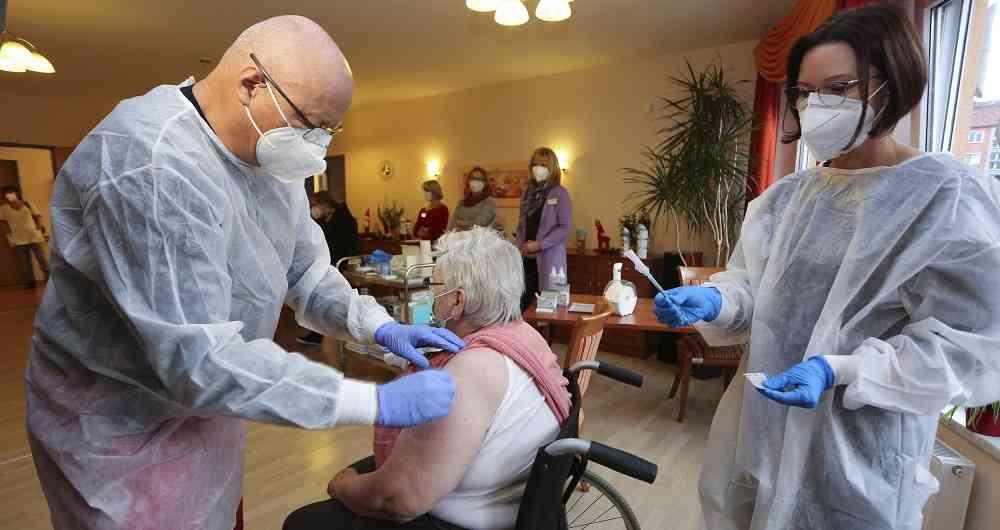 OMS dice que lentitud de Europa en la vacunación contra el COVID-19 es inaceptable