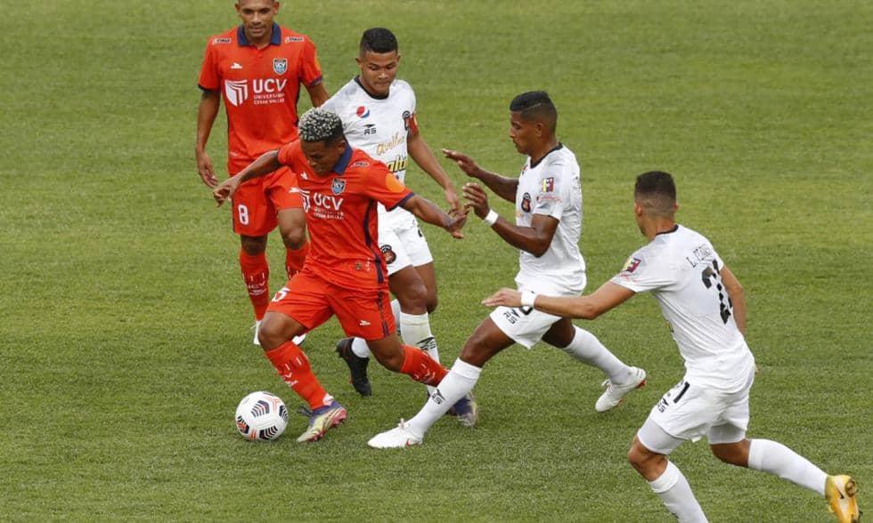 Copa Libertadores: Mena falla el penal que pudo darle el triunfo a Vallejo ante Caracas [VIDEO]