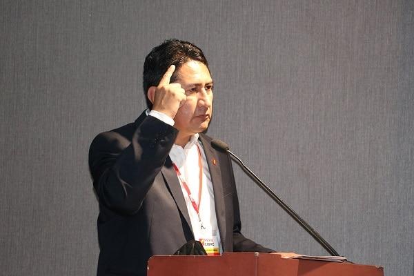 """Vladimir Cerrón: """"Perú Libre jamás podría desnaturalizarse políticamente"""""""
